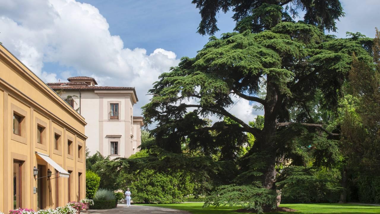ルネッサンスの香りを今に残すホテル「フォーシーズンズ・ホテル・フィレンツェ」