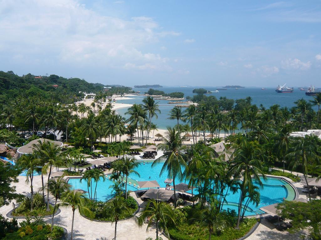 シャングリラ・ラサ・セントーサ・リゾート&スパのプールと海