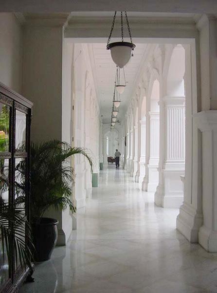 ラッフルズ・ホテル・シンガポール Raffles Hotel Singaporeの廊下