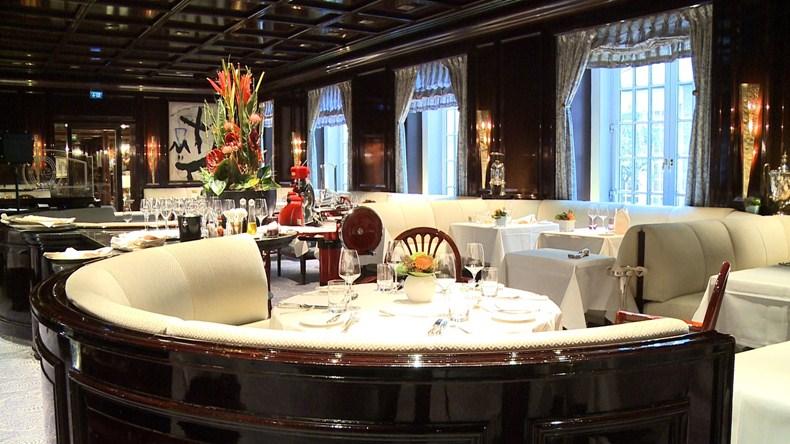 エクセルシオール・ホテル・エルンスト Excelsior Hotel Ernstのレストラン