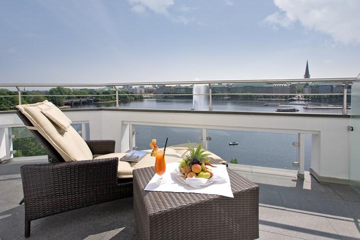 フェアモント・ホテル・フィア・ヤーレスツァイテン Fairmont Hotel Vier Jahreszeitenからの眺め