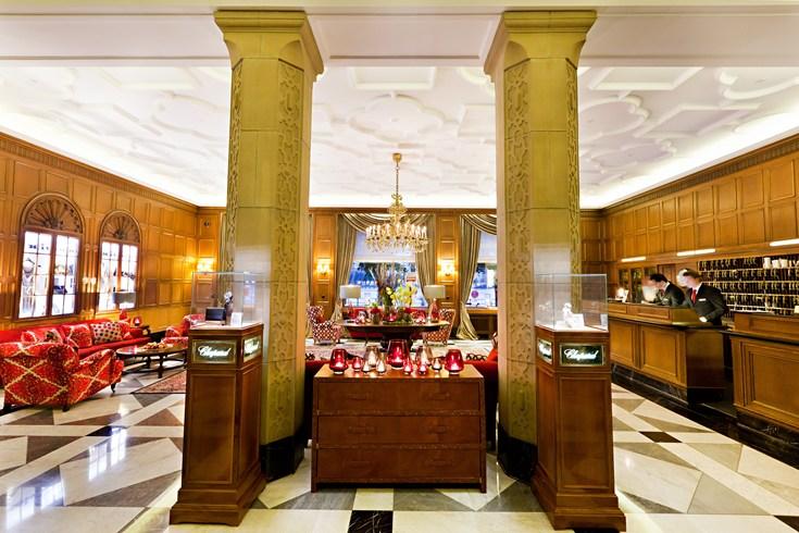 フェアモント・ホテル・フィア・ヤーレスツァイテン Fairmont Hotel Vier Jahreszeitenのロビー
