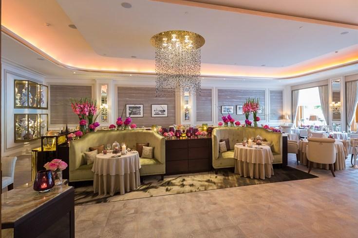 フェアモント・ホテル・フィア・ヤーレスツァイテン Fairmont Hotel Vier Jahreszeitenのレストラン