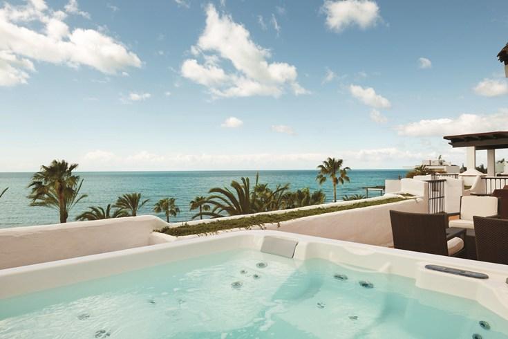 ホテル・プエンテ・ロマーノ・ビーチ・リゾート・マルベーリャ Puente Romano Beach Resort Marbellaからの眺め