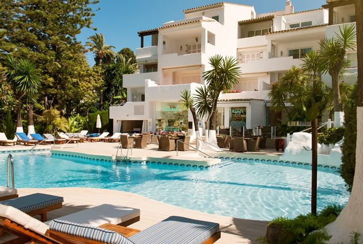 スペイン南部のリゾート地を満喫しきる「ホテル・プエンテ・ロマーノ・ビーチ・リゾート・マルベーリャ」