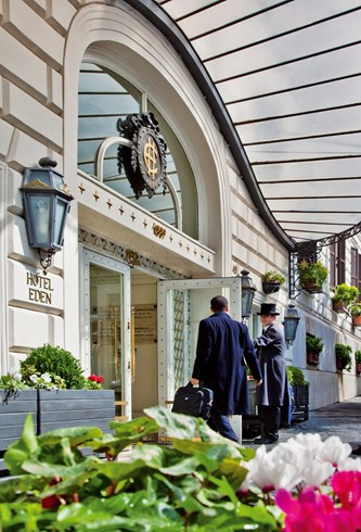 ホテル・エデン Hotel Edenの入り口