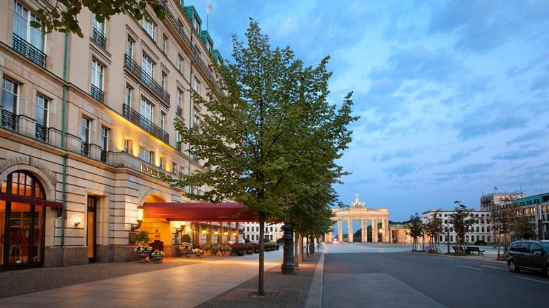 ホテル・アドロン・ケンピンスキー Hotel Adlon Kempinskiの外観