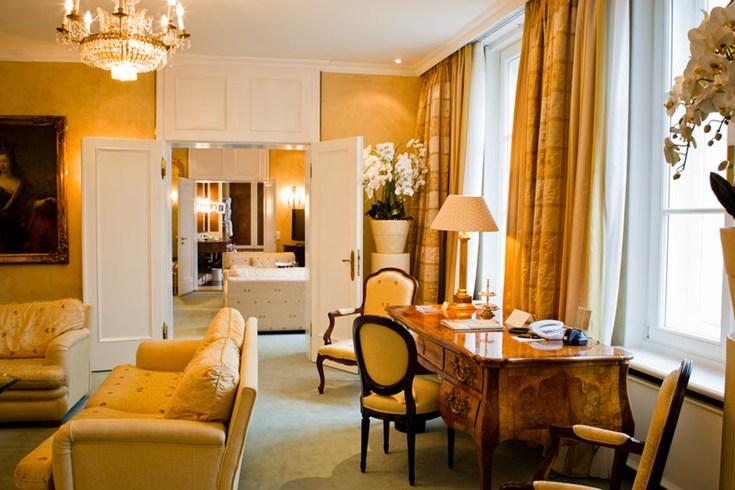 バイエフィッシャー・ホフ Bayerischer Hofの客室