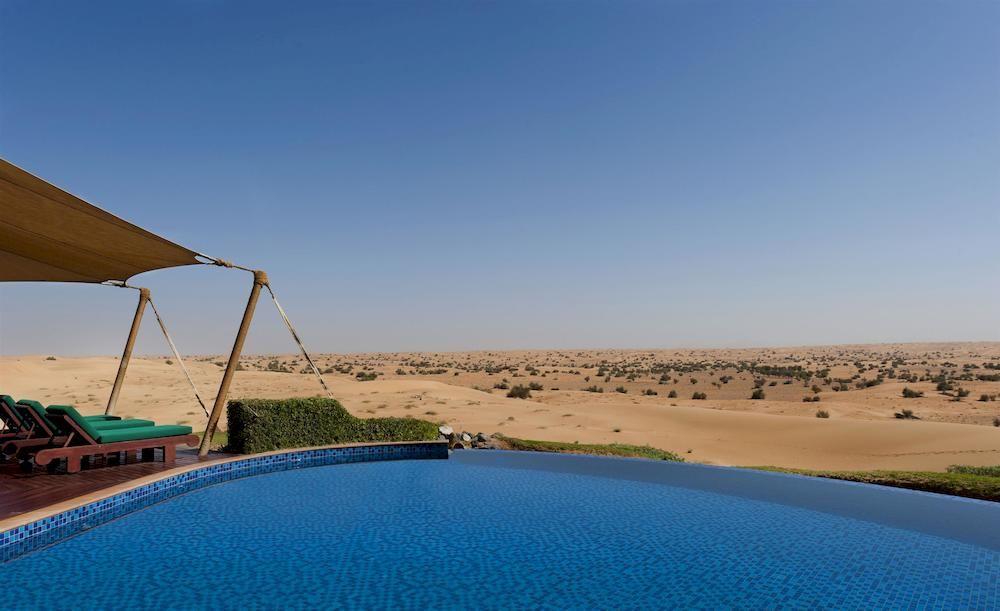 アル・マハ・デザート・リゾート Al Maha, A Luxury Collection Desert Resort and Spaの屋外プール