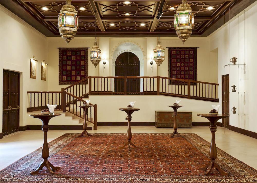 アル・マハ・デザート・リゾート Al Maha, A Luxury Collection Desert Resort and Spaのエントランス