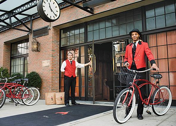 開発が進む注目のエリアに佇む古風で趣のある5つ星のデザイナーズホテル「ザ・バワリー・ホテル」