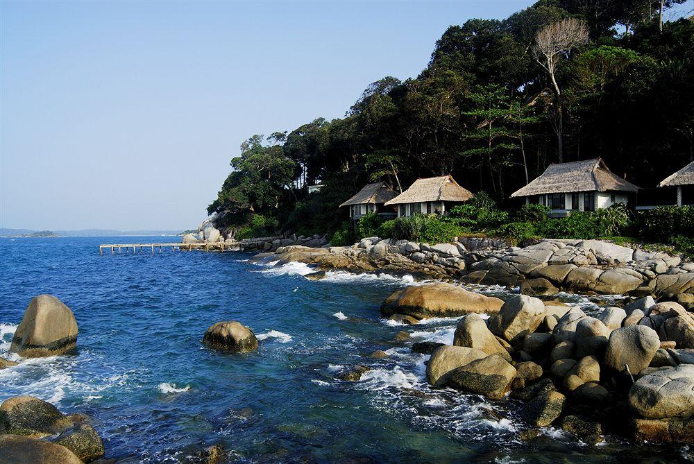 バンヤン・ツリー・ビンタン Banyan Tree Bintanのヴィラと海辺