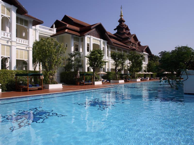 ダラ・デヴィ・チェンマイ The Dhara Dhevi Hotel Chiang Maiの屋外プール