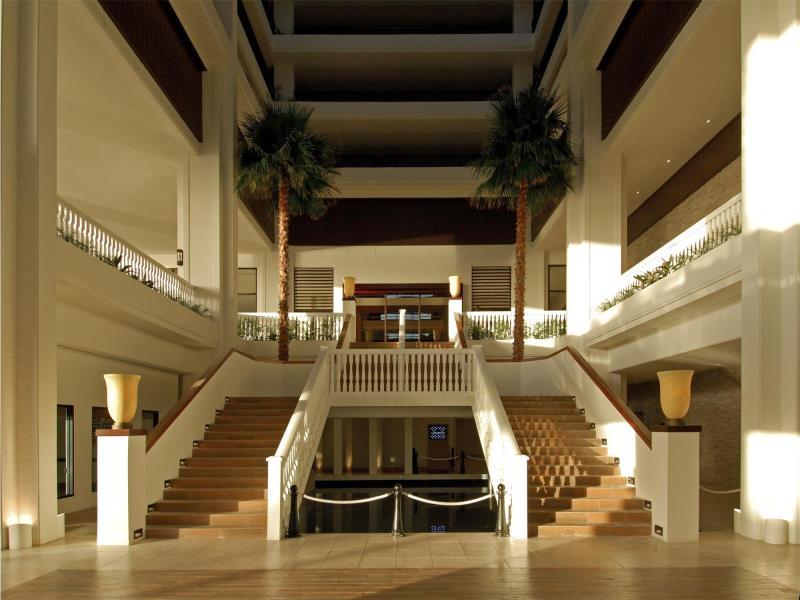 シェラトン・ラグーナ・グアム・リゾート Sheraton Laguna Guam Resortのアトリウム