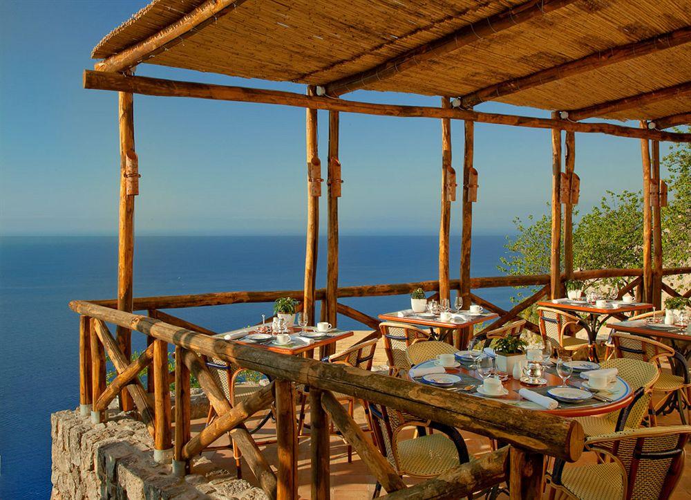 モナステロ・モンテロサ・ホテル&スパ Monastero Santa Rosa Hotel & Spaのレストラン