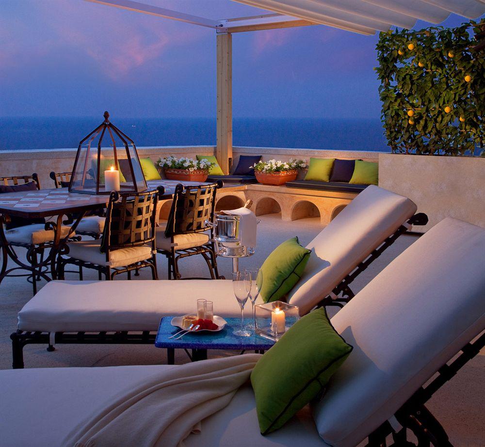 モナステロ・モンテロサ・ホテル&スパ Monastero Santa Rosa Hotel & Spaのテラス