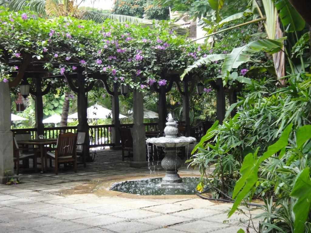 タージ・ウエスト・エンドの庭