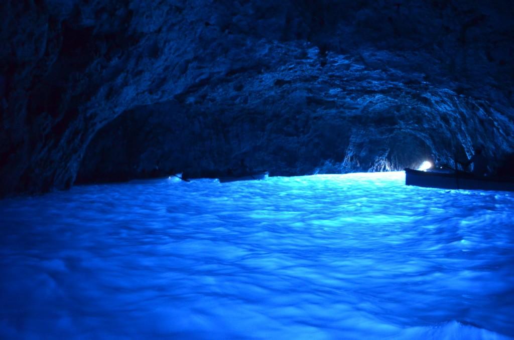 エメラルドの洞窟