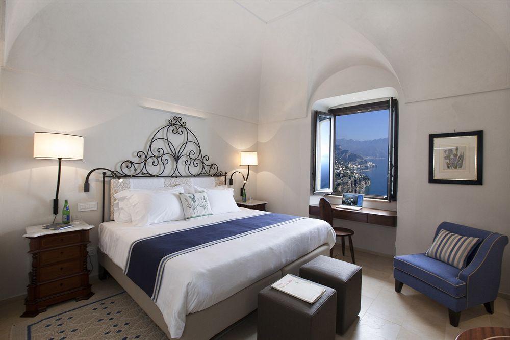 モナステロ・サンテロサ・ホテル&スパ ベッドルーム
