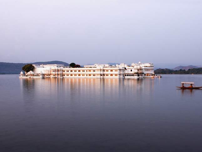 タージ・レイク・パレス Taj Lake Palacの外観