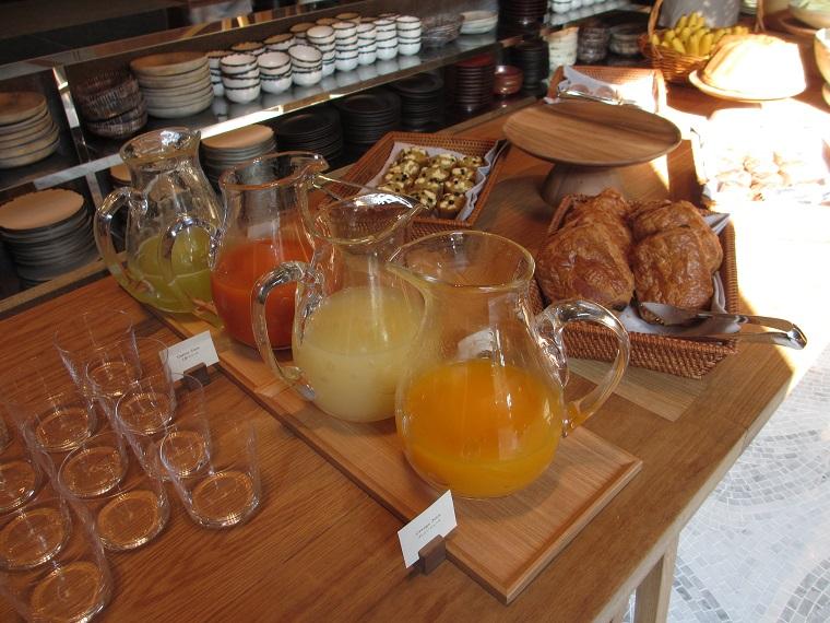 アンダーズ東京の朝食ブッフェのジュース
