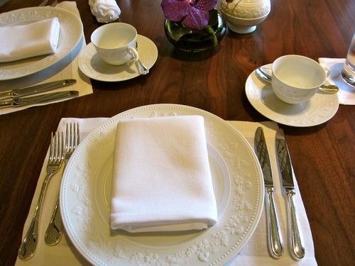 ザ・リッツ・カールトン京都のアフタヌーンティーの食器やカトラリー