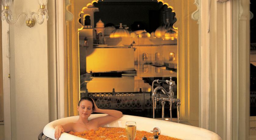 ジ・オベロイ・ウダイビラスのバスルーム