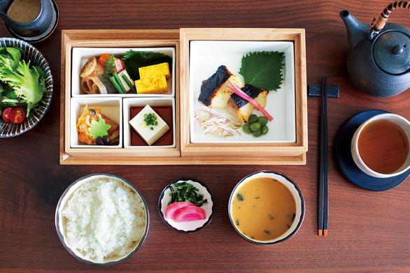 アンダーズ東京のルームサービスの和朝食