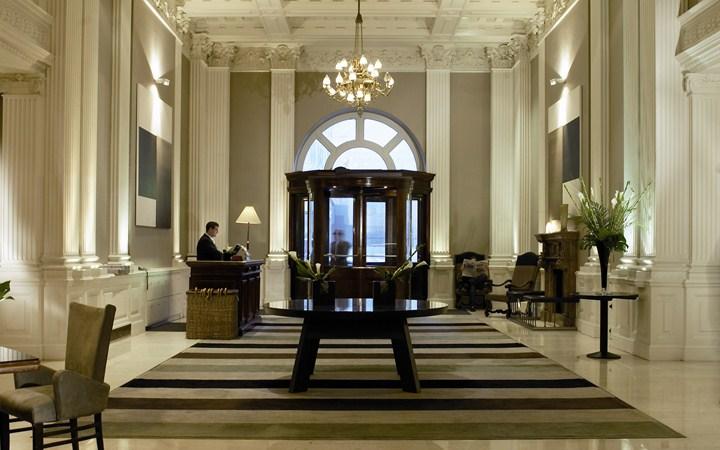 ロッコ・フォルテ・バルモラル・ホテル Rocco Forte Balmoral Hotelのエントランス