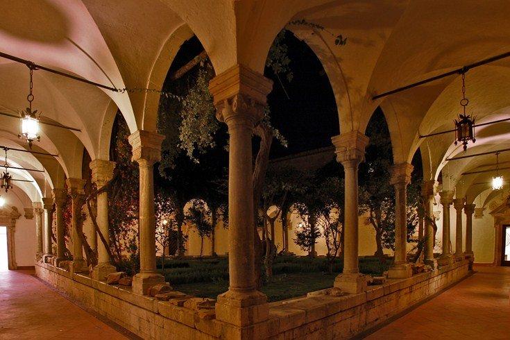 サン・ドメニコ・パレス・ホテル San Domenico Palace Hotelの回廊