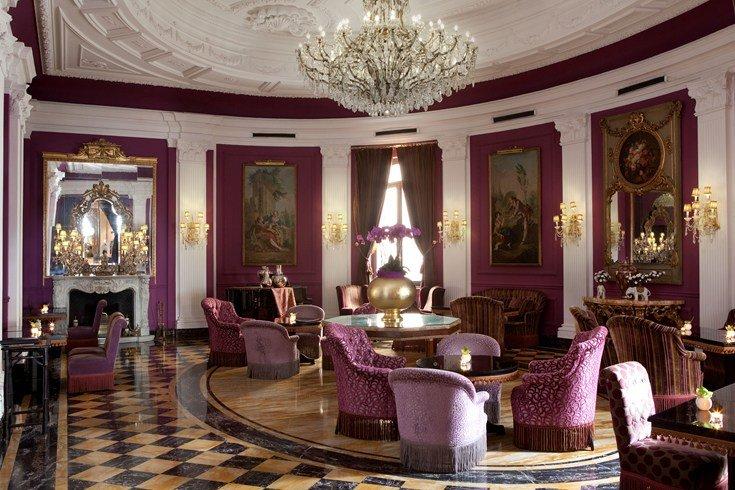 レジーナ・ホテル・バリオーニ・ローマ Regina Hotel Baglioni Romeのロビー