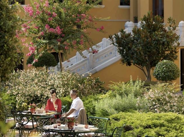 フォーシーズンズ・ホテル・イスタンブール・アット・スルタンアフメットの中庭