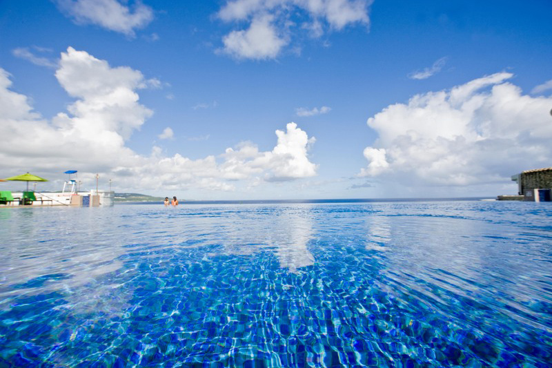 シェラトン・ラグーナ・グアム・リゾート Sheraton Laguna Guam Resortのインフィニティプール