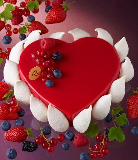 ピエール・エルメ・パリ ブティックのバレンタインケーキ