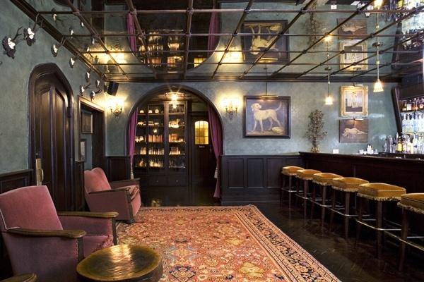 ザ・バワリー・ホテル The Bowery Hotelのバーラウンジ