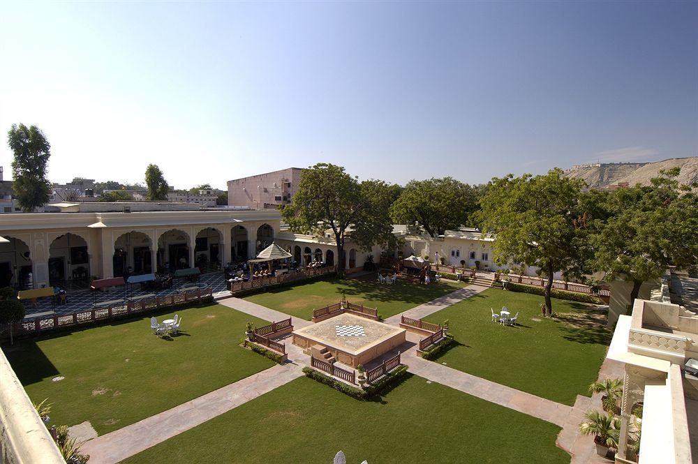 ザ・ラージ・パレス The Raj Palaceの庭園