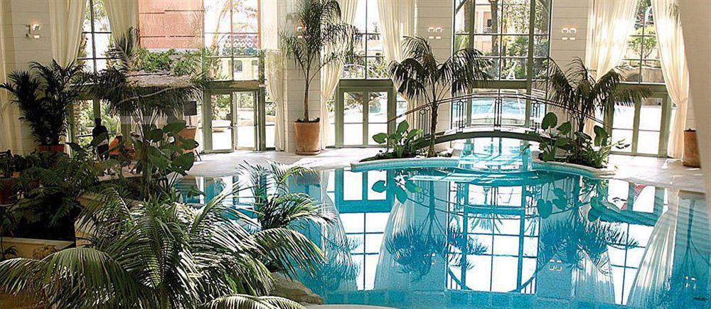 モンテカルロ・ベイ・ホテル&リゾート Monte Carlo Bay Hotel & Resortの屋内プール