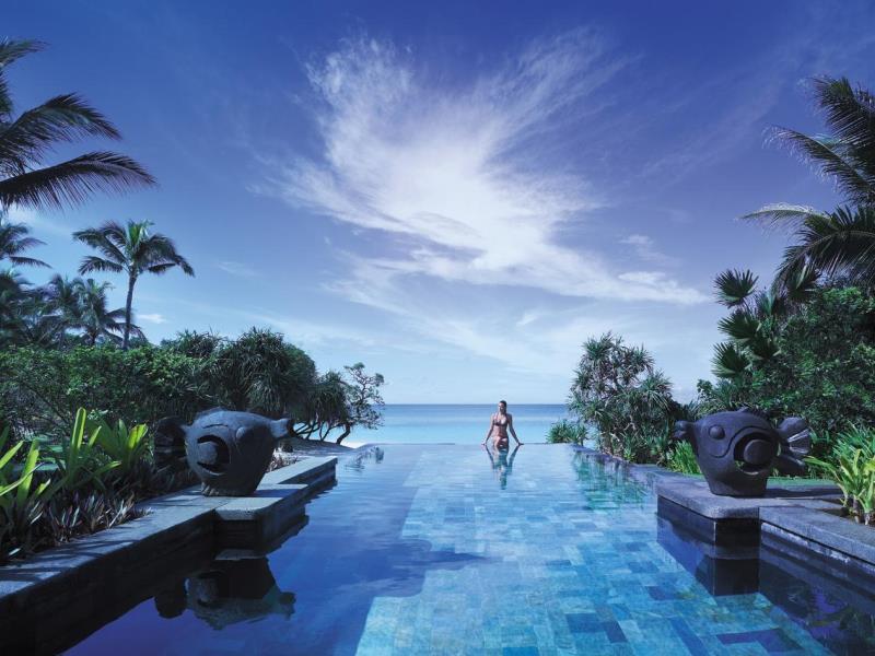 シャングリ・ラ・ボラカイ・リゾート・アンド・スパ Shangri-La's Boracay Resort & Spaのプール