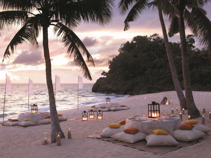 シャングリ・ラ・ボラカイ・リゾート・アンド・スパ Shangri-La's Boracay Resort & Spaのビーチ