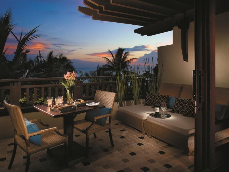 シャングリ・ラ・ボラカイ・リゾート・アンド・スパ Shangri-La's Boracay Resort & Spaのバルコニー