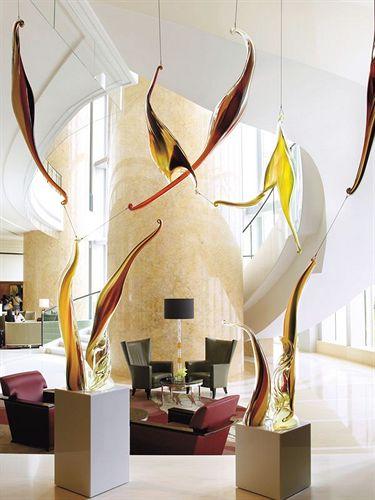 フォー・シーズンズ・ホテル・香港 Four Seasons Hotel Hong Kong 香港四季酒店のロビー