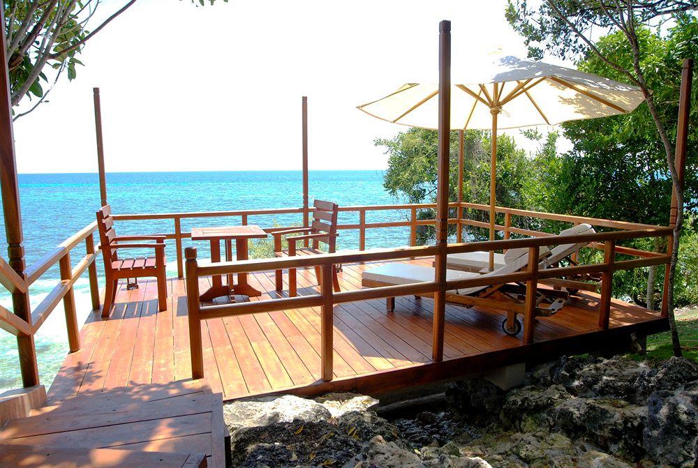 エスカヤ・ビーチ・リゾート・アンド・スパ Eskaya Beach Resort and Spaのテラス