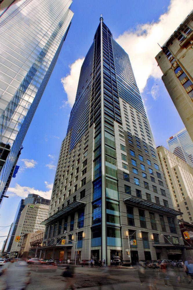 65階建ての高層ビルの中にあるエレガントな「トランプ・インターナショナル・ホテル&タワー・トロント」