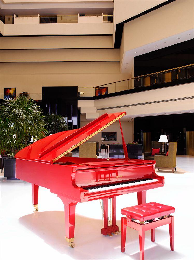 ジ・オベロイ・ムンバイ The Oberoi Mumbaiのロビーのピアノ