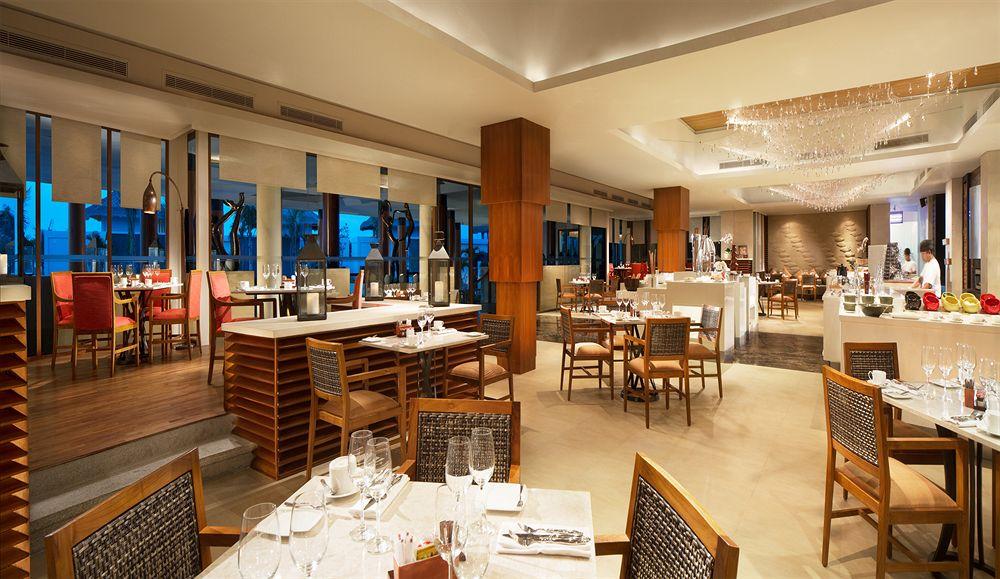 サマベ・バリ・スイート&ヴィラ Samabe Bali Suites & Villasのレストラン