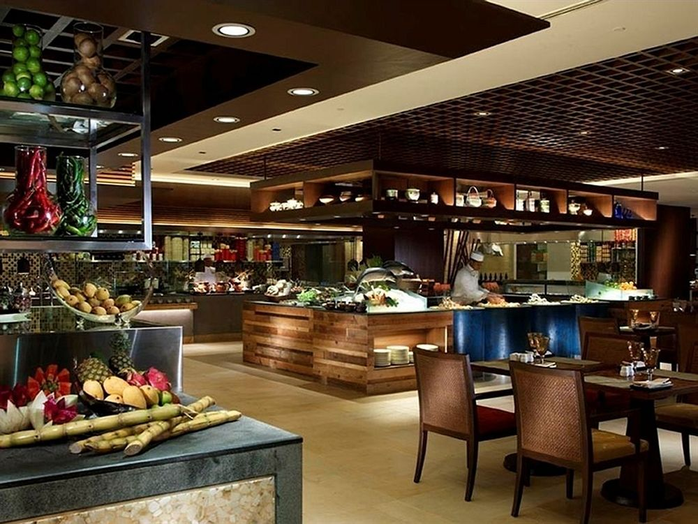 シャングリ・ラ・ラサ・サヤン・リゾート&スパ Shangri-La's Rasa Sayang Resort and Spaのレストラン
