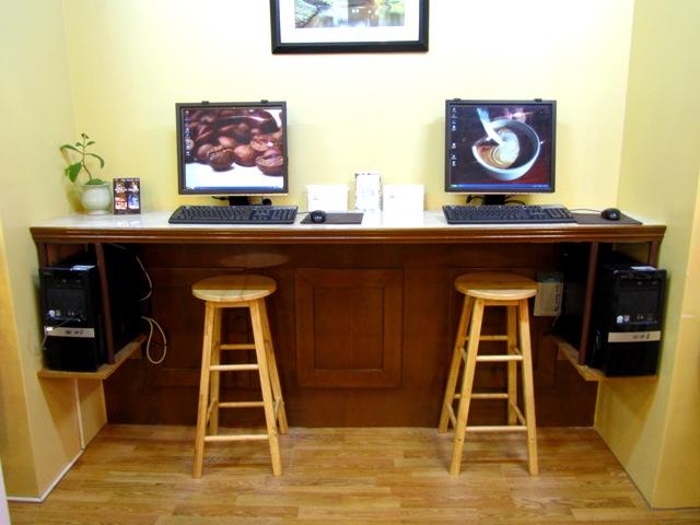 アクア・リゾート・クラブ・サイパン AQUA RESORT CLUB SAIPANのパソコン