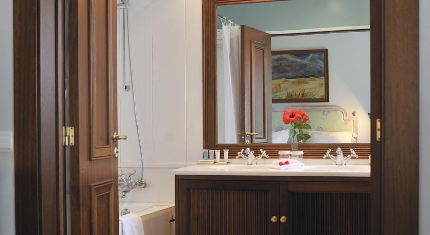 ペスターナ パレス ホテル & ナショナル モニュメント バスルーム