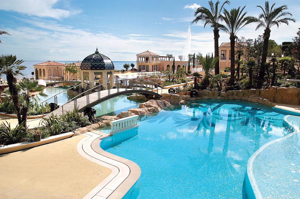 グルメ、カジノ、スパを大満喫する「モンテカルロ・ベイ・ホテル&リゾート」