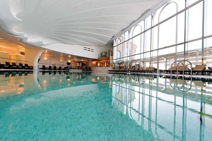 オテル・ド・パリ・モンテカルロ Hotel de Paris Monte-Carloのプール